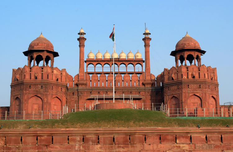 delhi tour to udaipur red fort